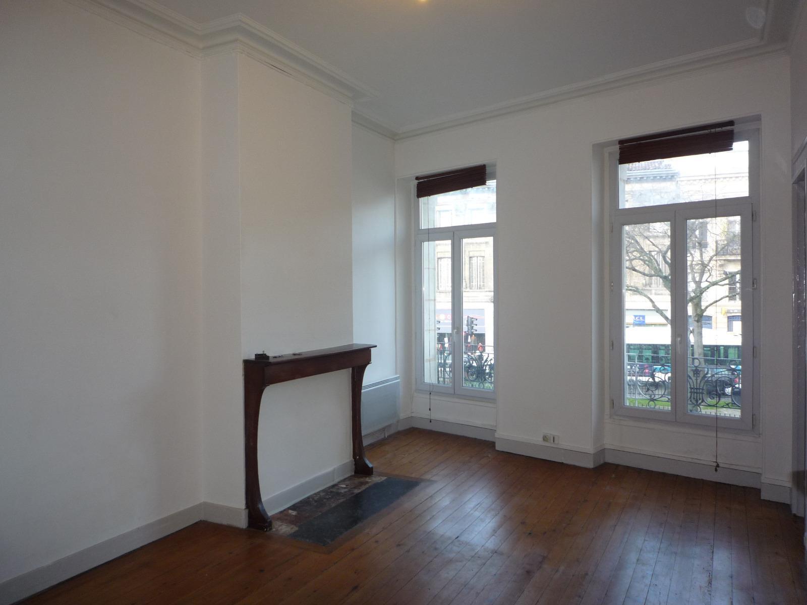 Location appartement t2 de 40m place picard chartrons for Appartement bordeaux chartrons t2
